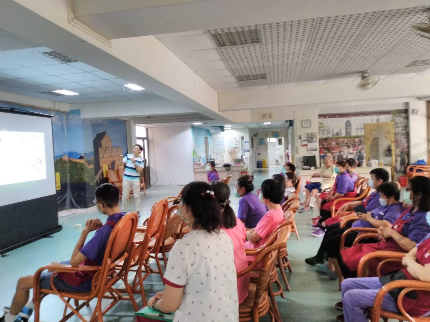 20200811_台南榮家用藥安全暨藥物濫用宣導(圖片)